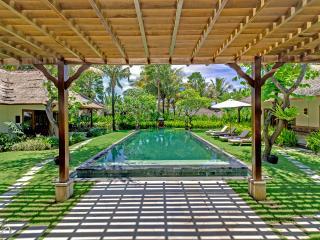 4 bedroom Villa with Tennis Court in Bali - Bali vacation rentals