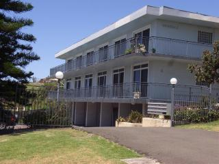Nice 1 bedroom Kiama Condo with Television - Kiama vacation rentals