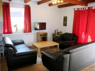 Ferienhaus Krabbe, WLAN, 150m Strand, 2-8 Personen - Friedrichskoog vacation rentals