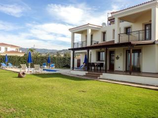 4 BD Seafront villa,dream location,amenities close - Argaka vacation rentals