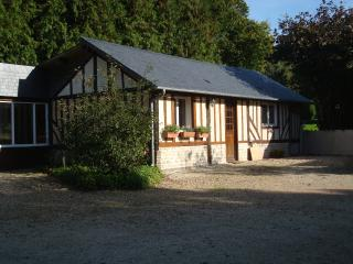 Independent cottage in charming village property - Le Faulq vacation rentals