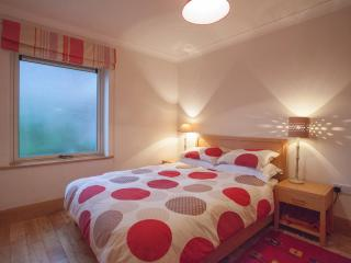 2 bedroom Apartment with Internet Access in Galway - Galway vacation rentals