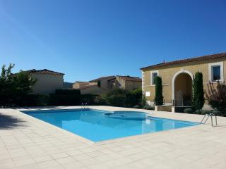 Bright Villa with Internet Access and Central Heating - Vaison-la-Romaine vacation rentals