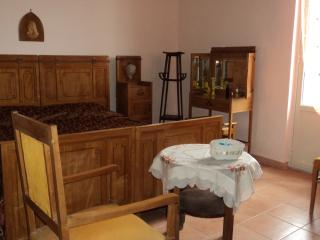Nice House with Internet Access and Television - Graniti vacation rentals