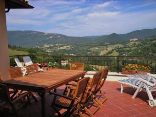 Sunny 5 bedroom Villa in Preci - Preci vacation rentals