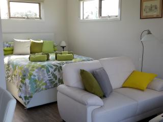 Bass Coast Country Cottages - Nook Cottage - Bass vacation rentals
