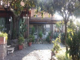 Appartamento Orchidea - Residence Paolina - Marino vacation rentals
