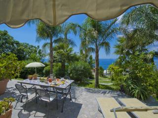 Casa Santacroce 2 - large garden, beautifull view - Praiano vacation rentals