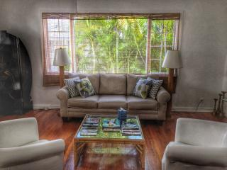 Charming 1/1 Cottage | Walk to the Beach! - Palm Beach vacation rentals