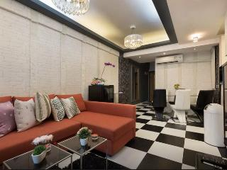 SUPERB TripADVISOR FEATURED DeLUXE CENTRAL 3bed2bath - Hong Kong vacation rentals