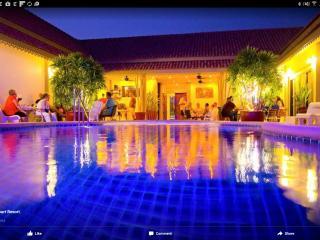 group villa thailand sleeps 14 adults 6 children - Pattaya vacation rentals