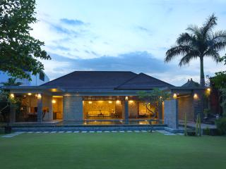 Grand Royal Two Bedroom Pool Villa - Jimbaran vacation rentals
