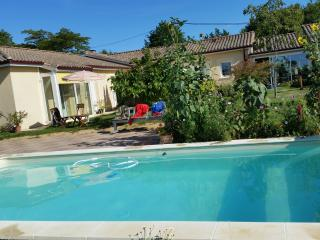 Nice Bergerac Studio rental with Shared Outdoor Pool - Bergerac vacation rentals