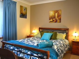Cozy 2 bedroom Latrobe Condo with Internet Access - Latrobe vacation rentals