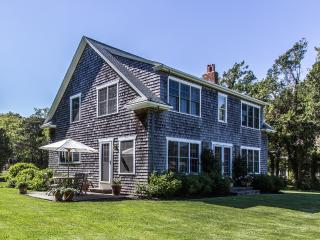JEWEG - West Chop Beauty, Key to Private Hancock Beach, Central A/C, Internet - Vineyard Haven vacation rentals