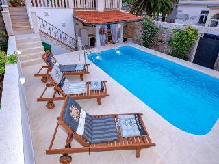 Radovani luxury apartment with private pool - Jelsa vacation rentals
