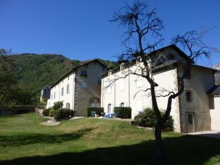 The residences of Chateau de Gudanes, - Les Cabannes vacation rentals