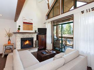 Northern Lights 29 | Ski-in Access, Vaulted Ceilings, Scenic Views, Hot Tub - Whistler vacation rentals