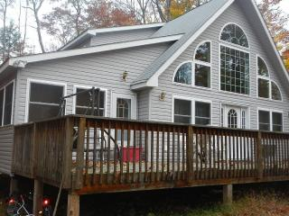 Beautiful Almost New Chalet In Arrowhead Lake - Pocono Lake vacation rentals