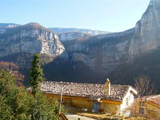 Cozy 1 bedroom Choranche Gite with Internet Access - Choranche vacation rentals