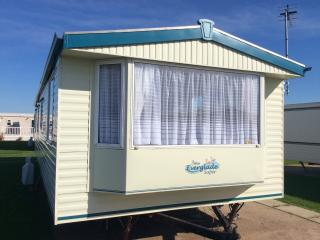Holiday caravan/Mobile home for hire, Towyn, North Wales - Towyn vacation rentals