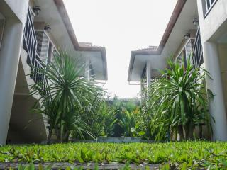 2 bedroom house 15 min walk to the beach - Cherngtalay vacation rentals