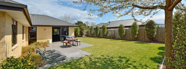 Ernest Place Summer Holiday Home, Brightwater, Nelson - Brightwater vacation rentals