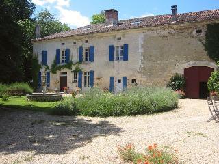 Domaine Le Repaire - Vieux-Mareuil vacation rentals