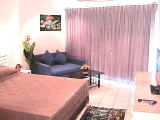 Condo rental with large pool close to beach VT1A - Jomtien Beach vacation rentals
