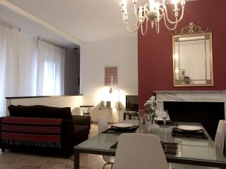 Superb apartment in city center ideal for family - Bologna vacation rentals