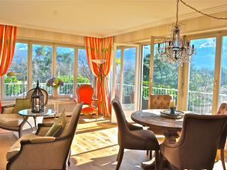 Stunning Ascona Penthouse steps to Golf & Beach - Ascona vacation rentals