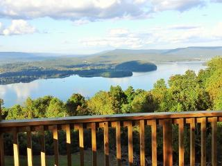 awesome gettaway ,view chattanooga 25 miles gated - Chattanooga vacation rentals