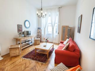 Romantic Getaway in the Heart of Budapest - Budapest vacation rentals