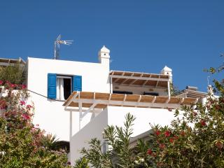 Beachfront cozy apartment, Serifos - Livadi vacation rentals