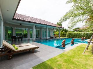 Comfortable Villa with Internet Access and A/C - Hua Hin vacation rentals