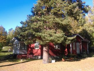 Lovely Guest house with Internet Access and Central Heating - Söderhamn vacation rentals