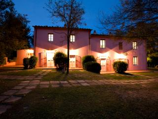 2 bedroom Finca with Internet Access in Larciano - Larciano vacation rentals
