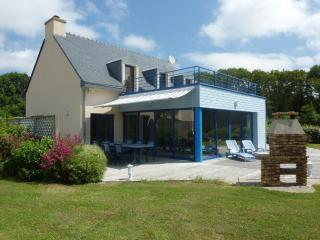 Freemantle - Seaside villa with indoor heated pool - Moelan sur Mer vacation rentals