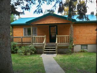 Beautiful 2 bedroom Cabin in Mill Run - Mill Run vacation rentals