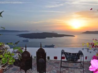 Thea Apartment - Firostefani vacation rentals