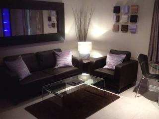 Modern City Centre Apartment in a good location - Newcastle upon Tyne vacation rentals