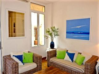 Jaures Terrasse 2 Bedroom Flat with a Balcony, in Cannes - Cannes vacation rentals