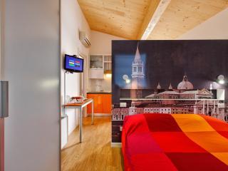 Beautiful 1 bedroom Bed and Breakfast in Favaro Veneto - Favaro Veneto vacation rentals