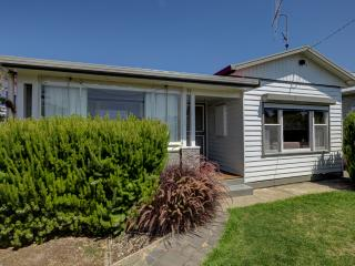 2 bedroom House with DVD Player in Port Fairy - Port Fairy vacation rentals