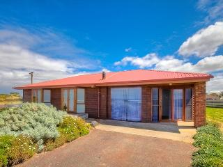 Beautiful 3 bedroom House in Port Fairy with Waterfront - Port Fairy vacation rentals