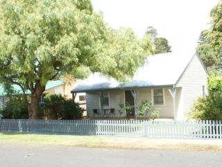 Bright 3 bedroom Port Fairy House with A/C - Port Fairy vacation rentals