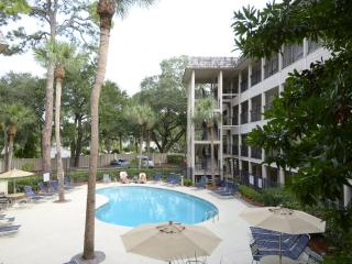 Cozy Villa with Deck and Dishwasher - Hilton Head vacation rentals