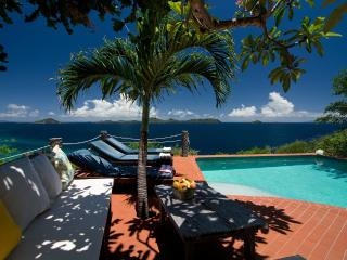 Comfortable 4 bedroom Villa in Friendship - Friendship vacation rentals