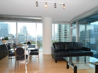 Chicago DT 2BR Suites in the Heart of River North - Chicago vacation rentals