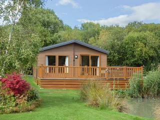 9 BULLRUSH, all ground floor lodge, hot tub, leisure facilities, Tattershall, Ref 929961 - Tattershall vacation rentals